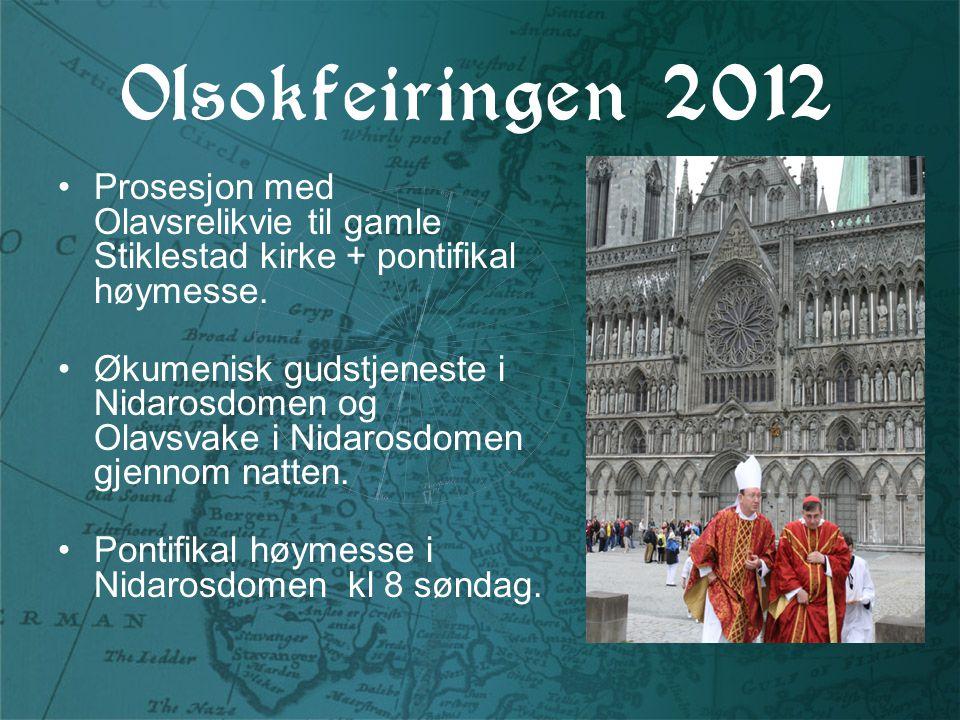 Olsokfeiringen 2012 Prosesjon med Olavsrelikvie til gamle Stiklestad kirke + pontifikal høymesse.