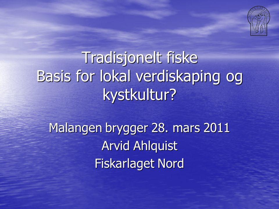 Fiskeflåtens struktur: En sammensatt flåte dominert av mindre fartøy i antall En sammensatt flåte dominert av mindre fartøy i antall Kvantumsmessig betyr de største båtene mest Kvantumsmessig betyr de største båtene mest Fartøy i Troms er inne i de fleste fiskerier, men liten deltakelse innen ringnot Fartøy i Troms er inne i de fleste fiskerier, men liten deltakelse innen ringnot Særlig få makrellrettigheter Særlig få makrellrettigheter Troms var (og er?) rekefylket Troms var (og er?) rekefylket
