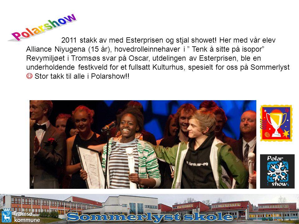 """2011 stakk av med Esterprisen og stjal showet! Her med vår elev Alliance Niyugena (15 år), hovedrolleinnehaver i """" Tenk å sitte på isopor"""" Revymiljøet"""