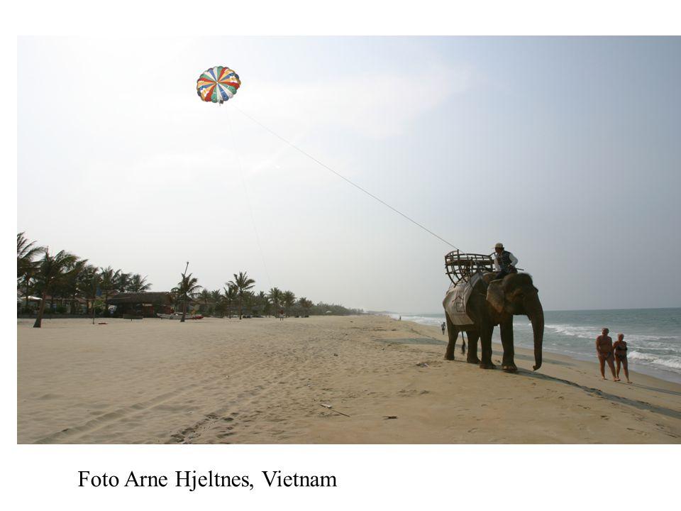 MAXBO Skolen LS # 1- 98 S 64 BRANSJENS BESTE OPPLÆRINGSPROGRAM Foto Arne Hjeltnes, Vietnam