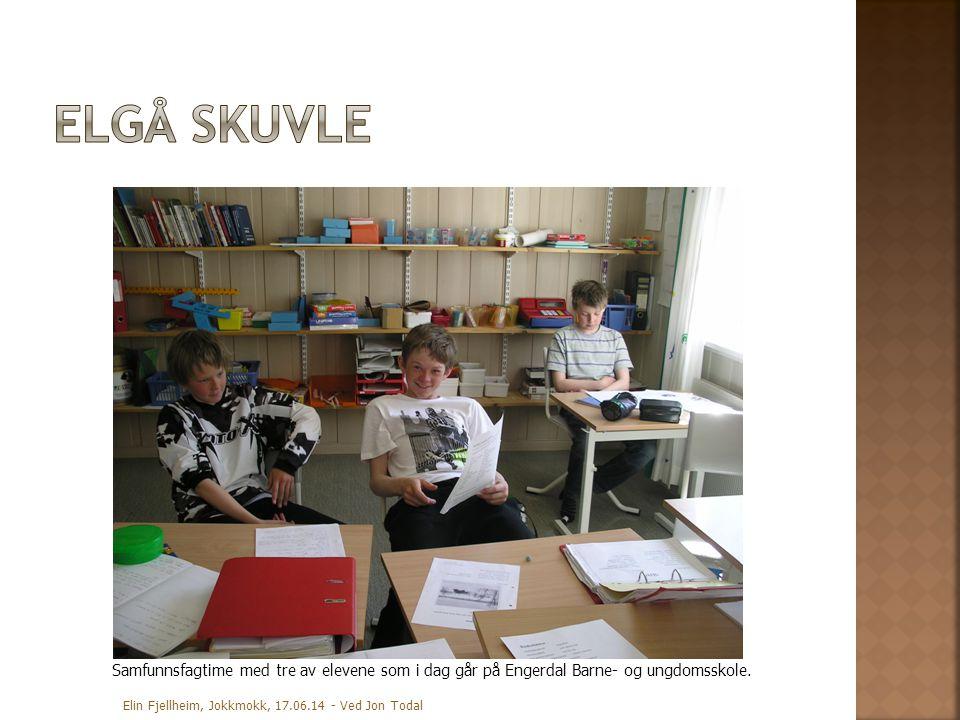 Samfunnsfagtime med tre av elevene som i dag går på Engerdal Barne- og ungdomsskole.