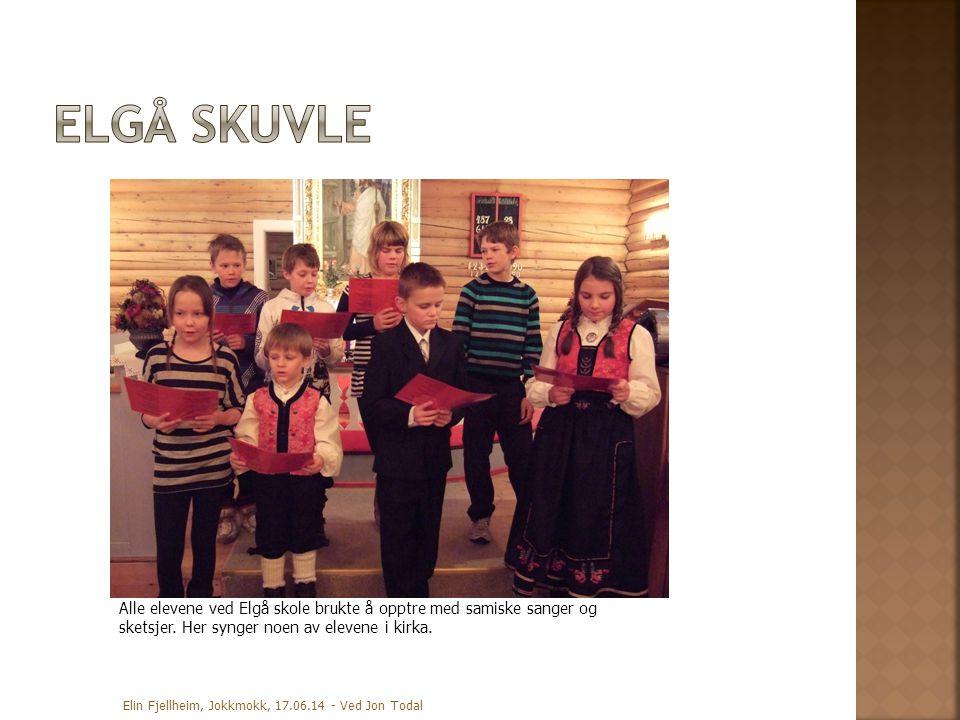 Elin Fjellheim, Jokkmokk, 17.06.14 - Ved Jon Todal Alle elevene ved Elgå skole brukte å opptre med samiske sanger og sketsjer. Her synger noen av elev