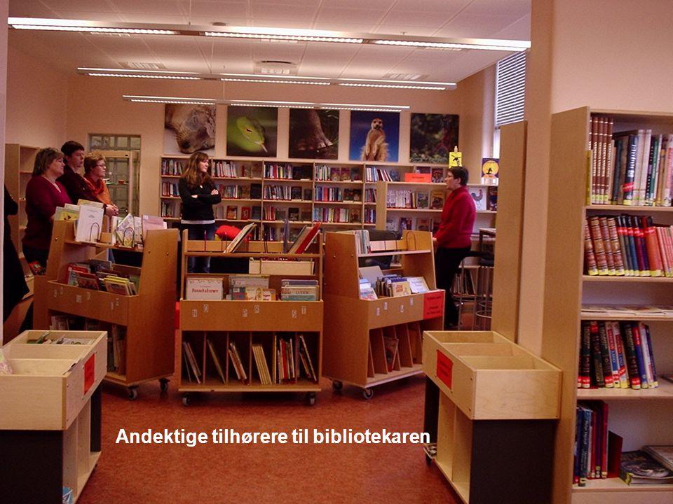 Andektige tilhørere til bibliotekaren