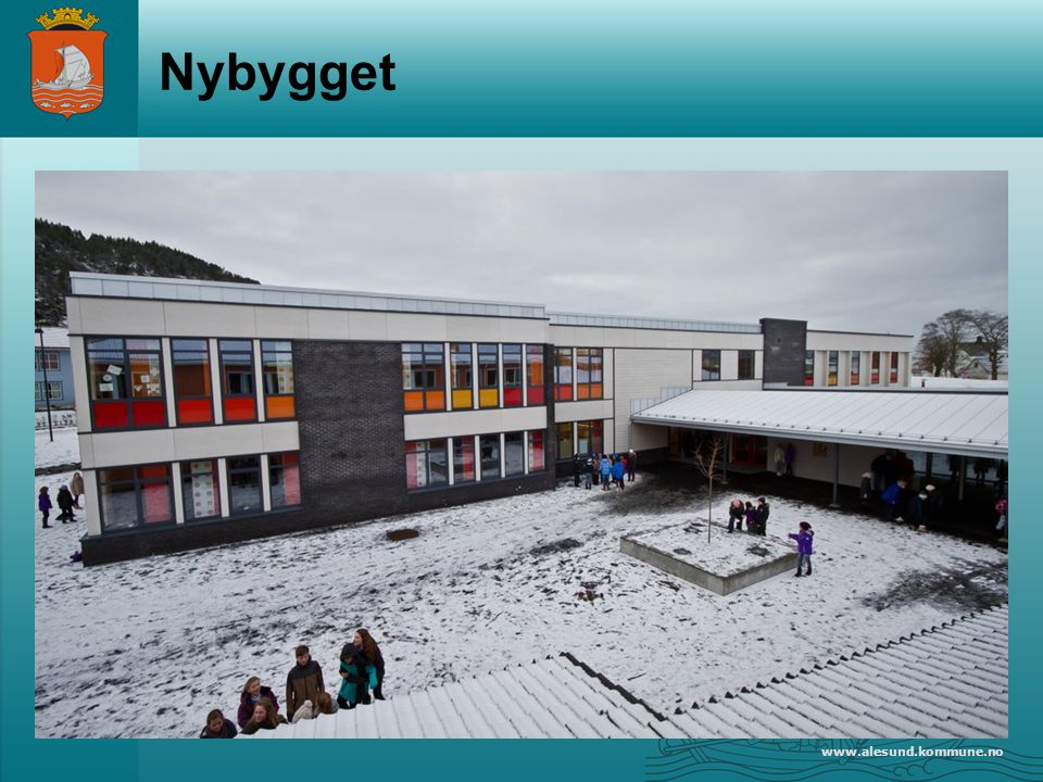 www.alesund.kommune.no Prosjekt UiA Mål: Styrke elevenes ferdigheter i å finne fram til og bruke relevant faglitteratur med utgangspunkt i skolebibliotek og folkebibliotek.