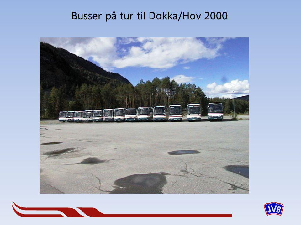 Busser på tur til Dokka/Hov 2000